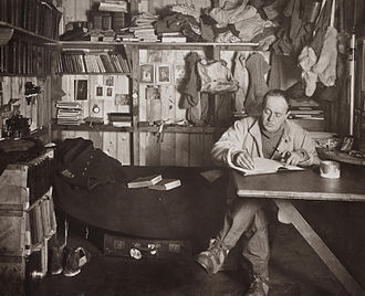 robert_falcon_scott_in_the_cape_evans_hut_october_1911