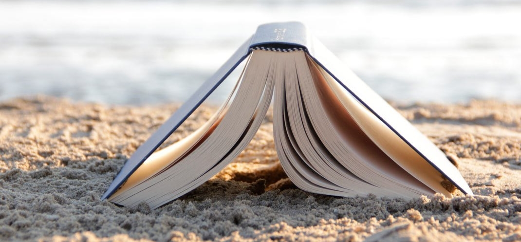 beach-reading-pacific-beach-books